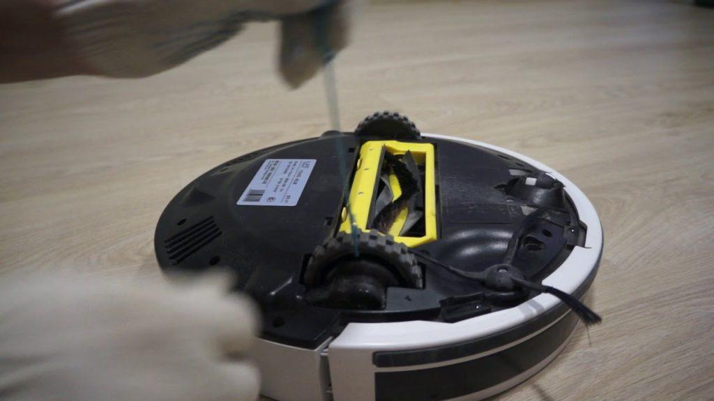 Как почистить колеса робота пылесоса